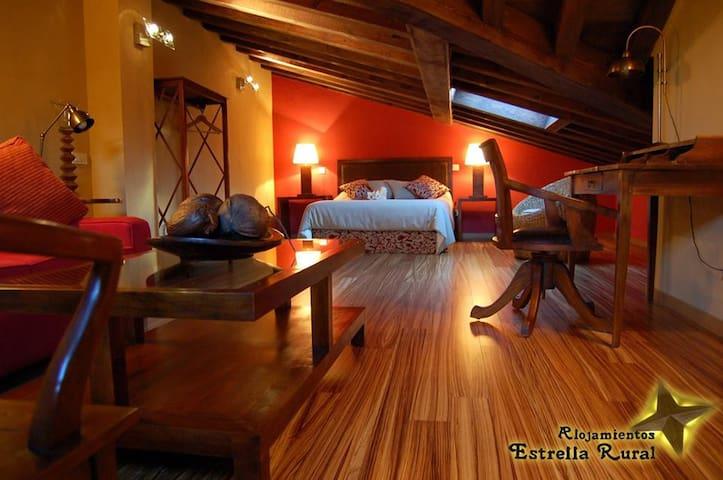 Estrella rural, 7 alojamientos y salón-vinoteca. - Braojos - Huis