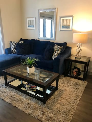 Amazing 1 Bed in Midtown within minutes from all!