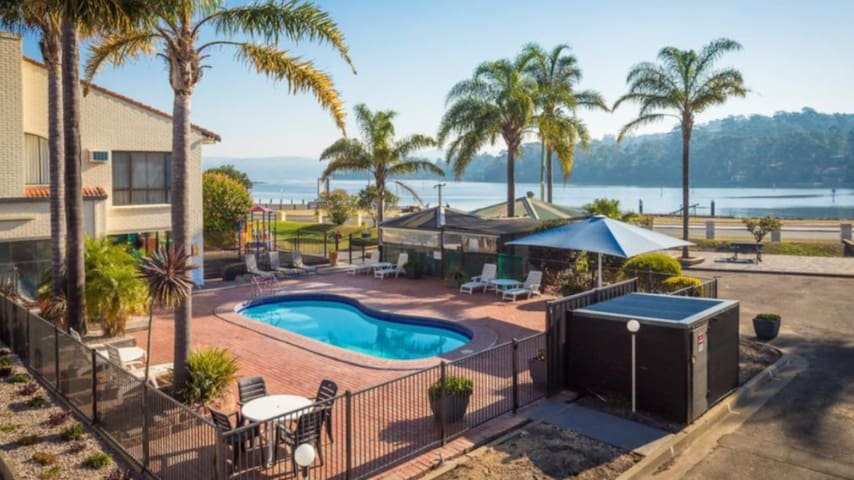 Aquarius Resort Unit 5, Merimbula N.SW.