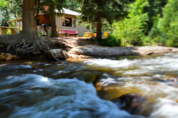 The Black Bear Cabin @ The Inn on Fall River