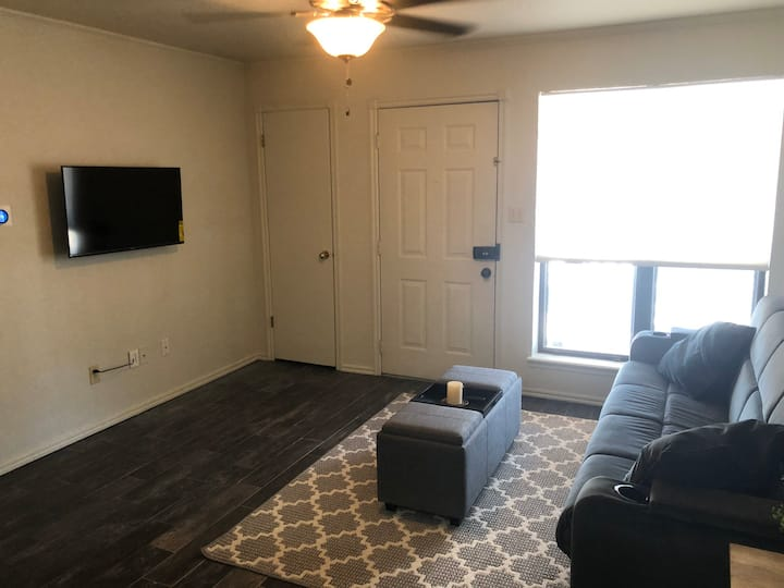 Quiet West Norman Condo