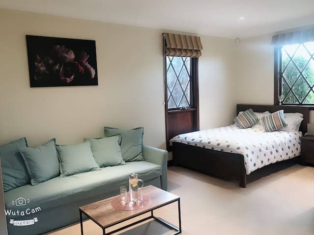 25m2 master room in Castle Hill north west sydney