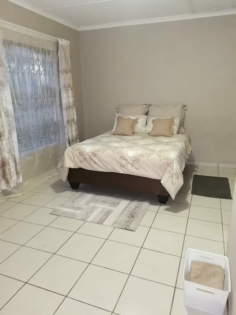 Private Room in Florapark, Polokwane