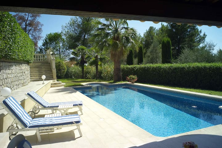 Opio studio with Private pool on the Cote d'Azur