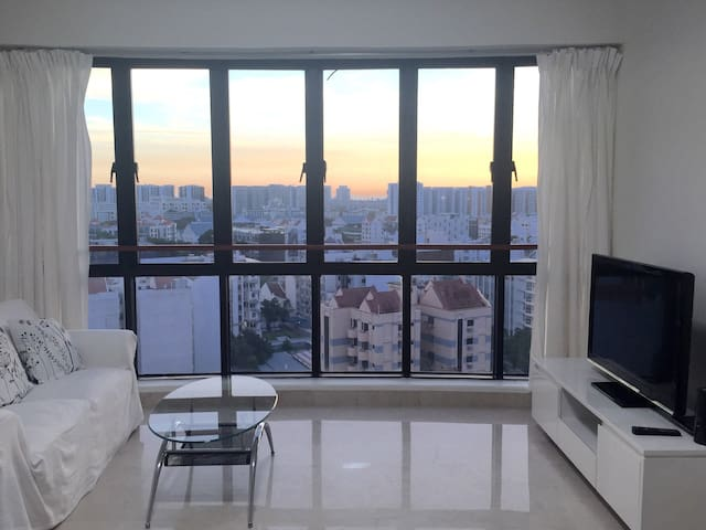 City Area MRT 2BR+2 Bath W view