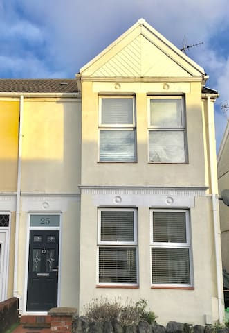 Quant property set in the heart of Mumbles village
