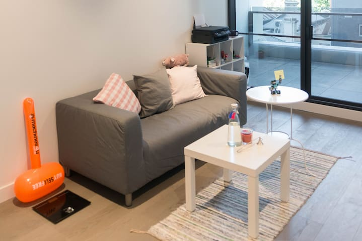 Perfect Location Lovely Apartment, Close to CBD