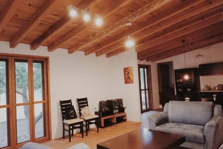 ¡¡Casa única-ecológica a 15 min del Centro!!