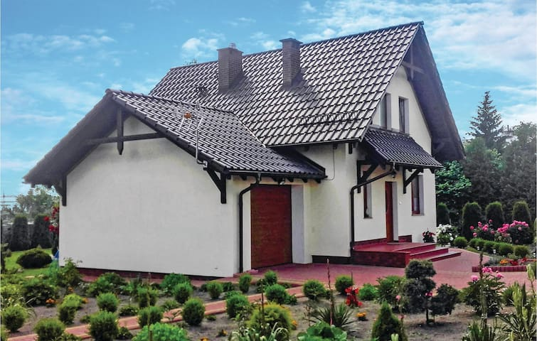 Holiday cottage with 2 bedrooms on 91 m² in Ostróda