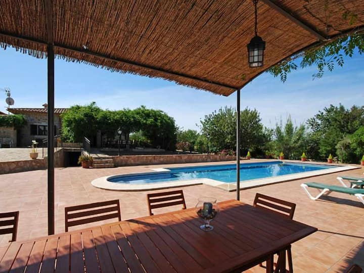 Beautiful country house on the outskirts of Bunyola with lot of amenities