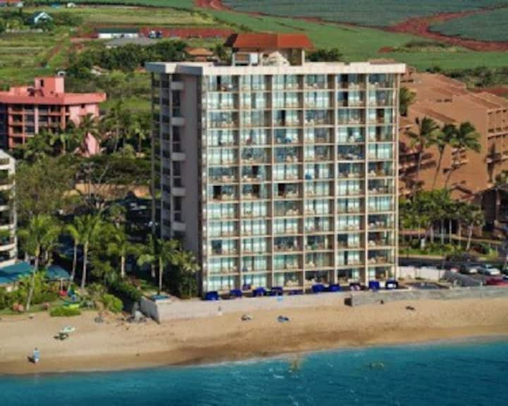 OCEAN Front---Kahana Beach Resort