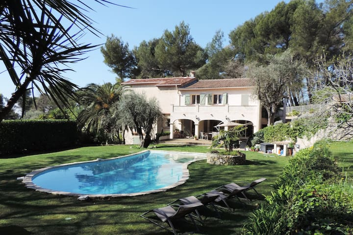 Beautiful provencal villa with pool, near Valbonne - Opio - Casa de camp