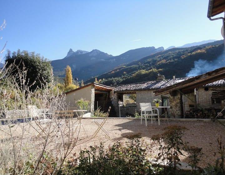 Gîte Matin d'été au pied du Vercors ( Drôme)