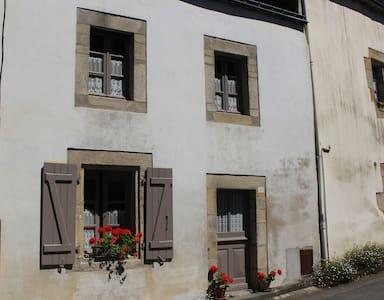 Number 26 - Rochefort-en-Terre - Hus