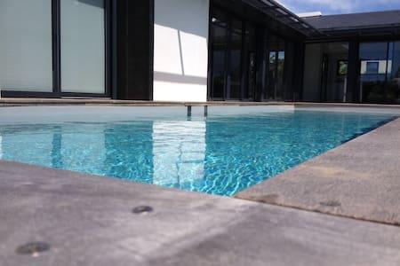 Villa avec piscine chauffée - アルゾン - 別荘