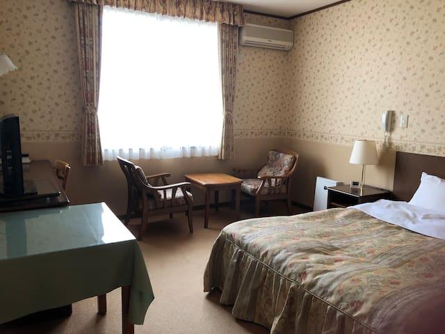趣きの異なる3カ所6種お風呂が自慢 303心海富士荘園 別館2階広めのダブル