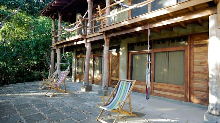 Casa Horizon, Luxury Surf & Yoga Hostel- Room of 4