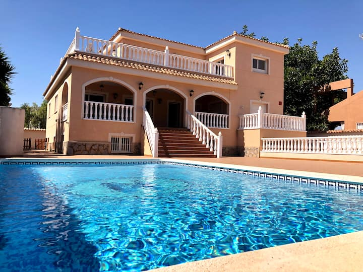 Villa with private gym by the beach