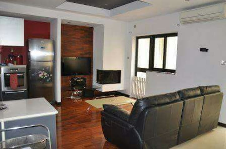 Modern double bedroom with space - Is-Swieqi - Hus