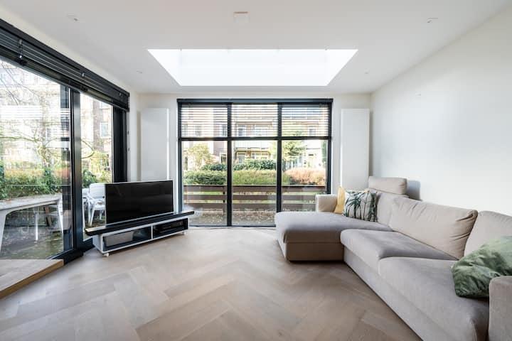 New modern & light 2bdr house!