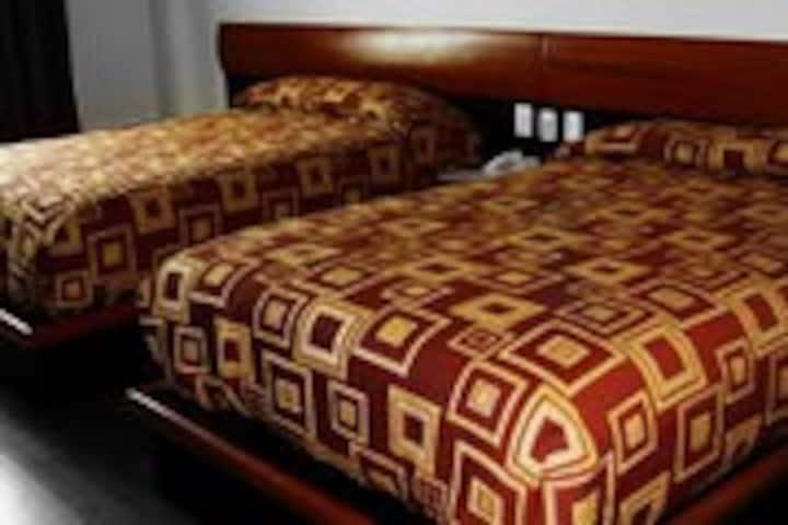 Habitacion privada 2 camas matrimoniales