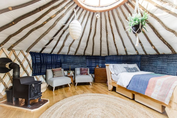 Romantic Vermont Retreat | 4Season Luxe Yurt