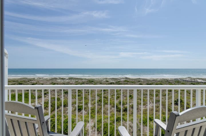Odin-Paradise awaits at this top floor oceanfront condo on the beautiful north end
