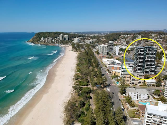 NEWEST BUILDING IN BURLEIGH, DIRECT BEACH ACCESS