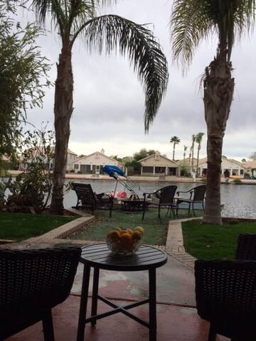 Private entrance on lake-access to 5Star Clubhouse - Gilbert - Casa de huéspedes