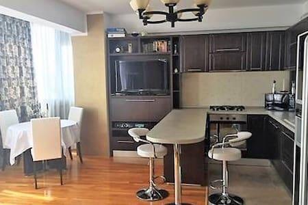 Elegant, spacious and bright apartment