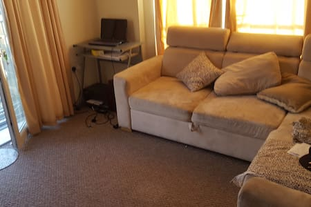 London flat 20 minutes from heathrow- 2 bedrooms - Greater London