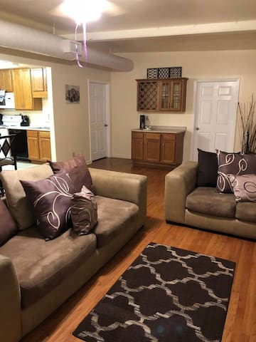3 Bedroom Apartment Outside Downtown