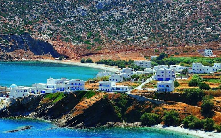 Apollonas - The Aegean at your doorstep!