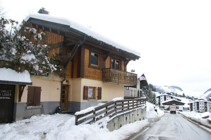 Rental for 14 people in beautiful ski area between mountains and nature