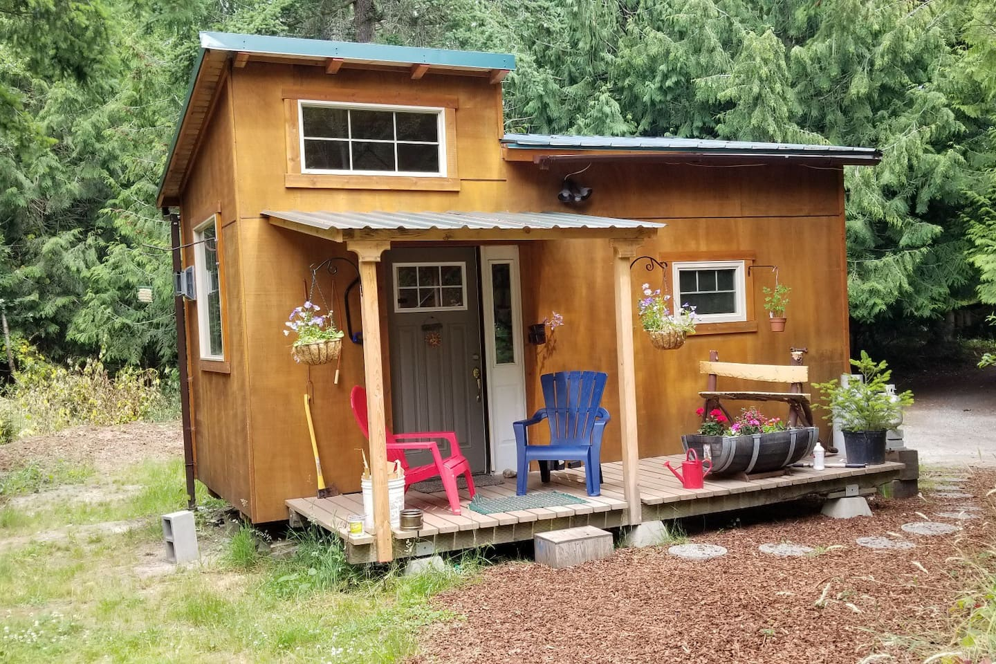 Summer time at the Sunrise Sunset Tiny house