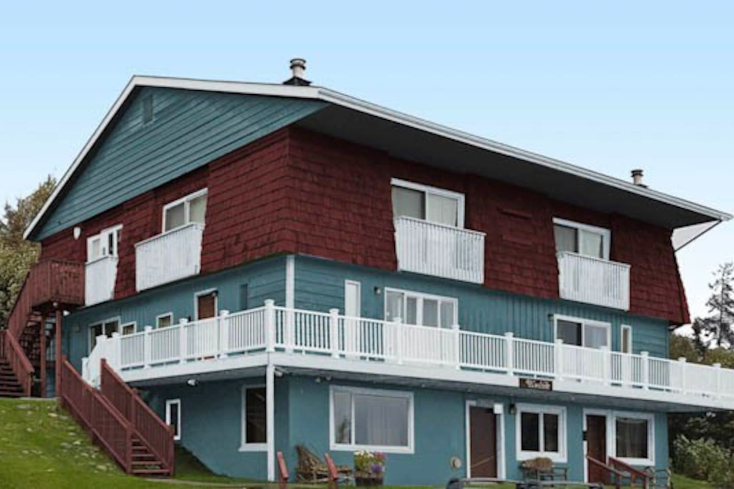 Modest lodging in the heart of downtown Homer