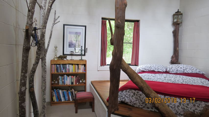 Nature w/ Possumhall Off Grid Bohemian Forest Room
