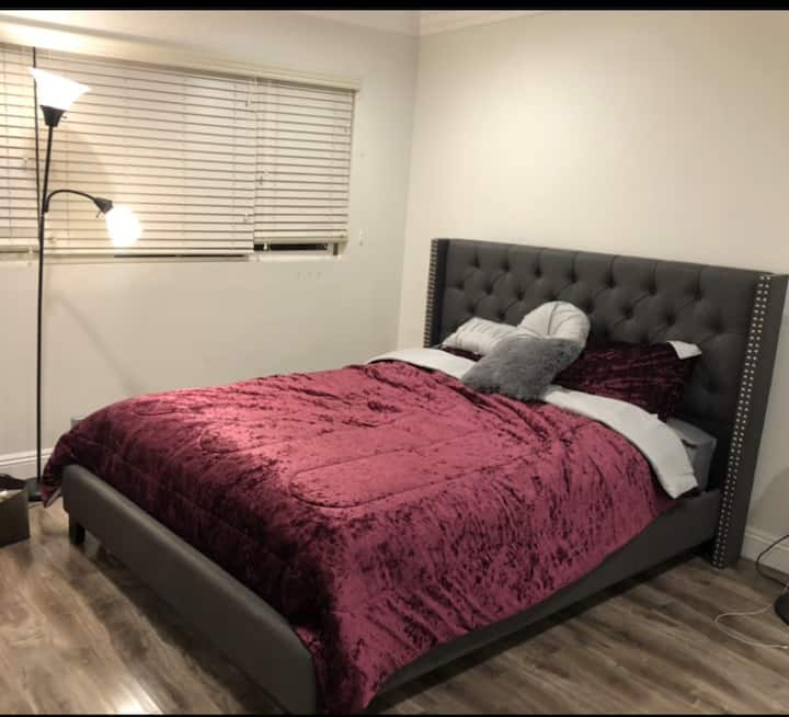 Quite, safe and clean private room for 1-2 person