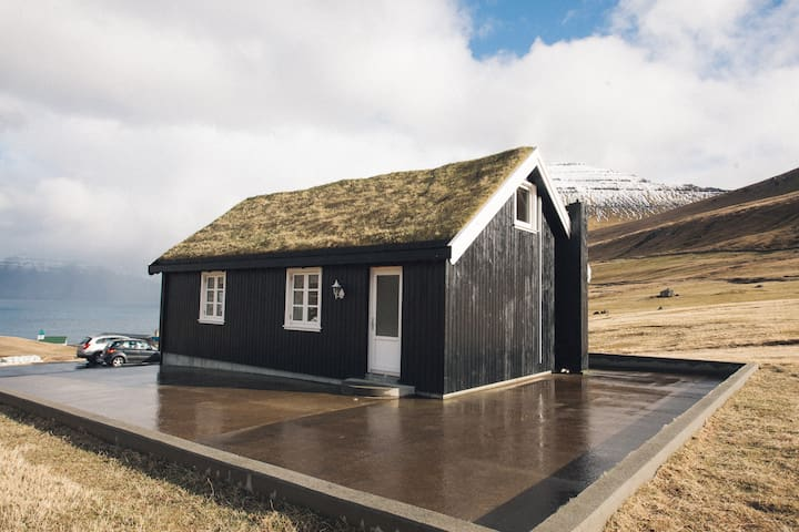 3 bedroom vacation home in Gjógv