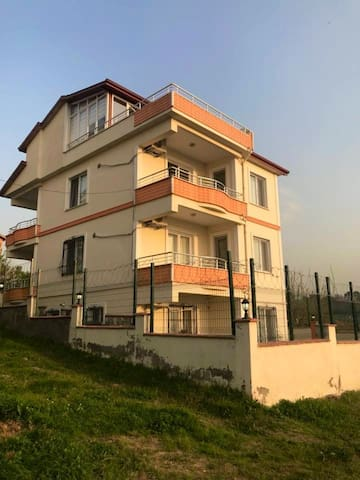 Yalova Apartments
