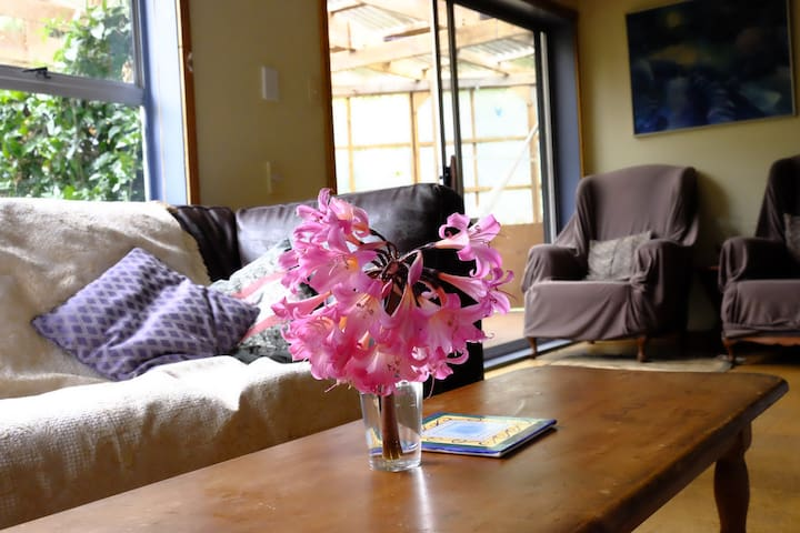 Sunbeam Sanctuary, Rose Cottage - Great Barrier Island - Rumah