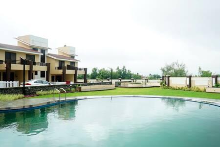 Luxurious villa at the foothills of Lonavala