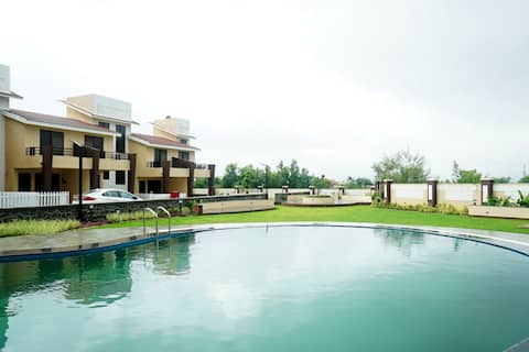 Luxurious villa at the foothills of Lonavala