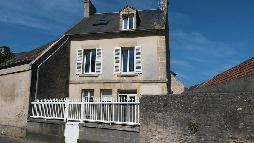 House near the D-Day landing beaches - Graye-sur-Mer - Ev
