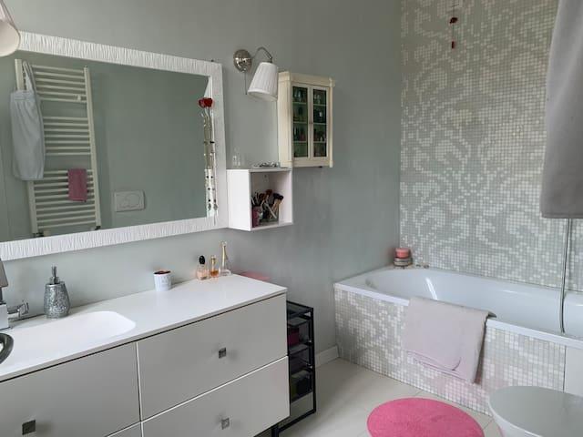 Camera con bagno - vicino Malpensa MXP e Milano
