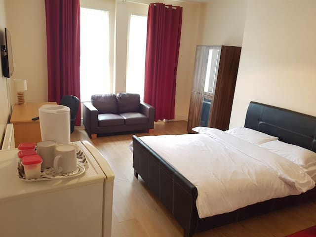 Deluxe Double Room- Close to Liverpool City Centre
