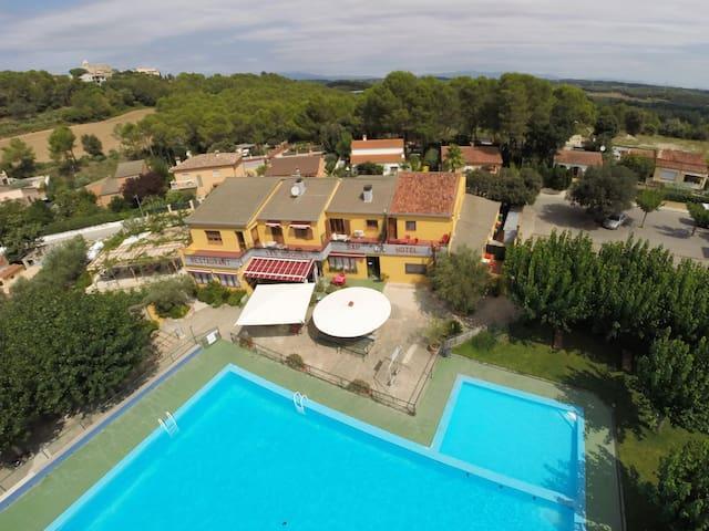 Habitación Doble con Baño - Bàscara - Other