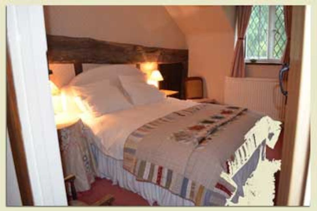 Gorgeous comfy kingsize bed