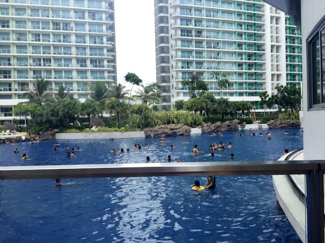 J&J Place@AZURE Urban Resort Residence - Manila - Apartment