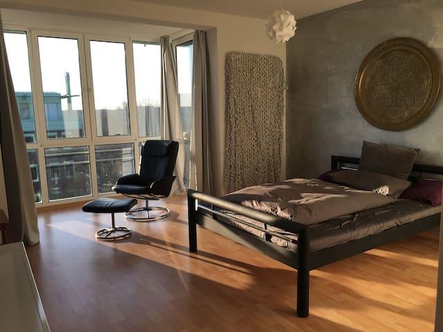 Zentrale und ruhige 1-Zimmer Wohnung auf Werder - Magdeburg - Apartment